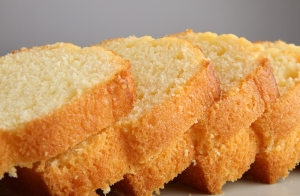 close up on pound cake